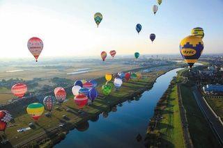 【ふるさと納税でかなうコト/佐賀市】「バルーン大会」で佐賀の大空を熱気球でいっぱいに!