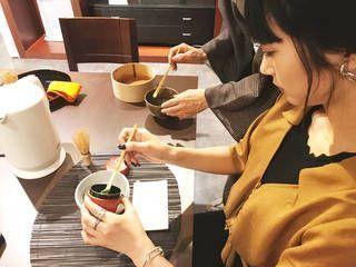 足がしびれない!伝統のお茶をテーブルで味わう「カジュアル茶道」